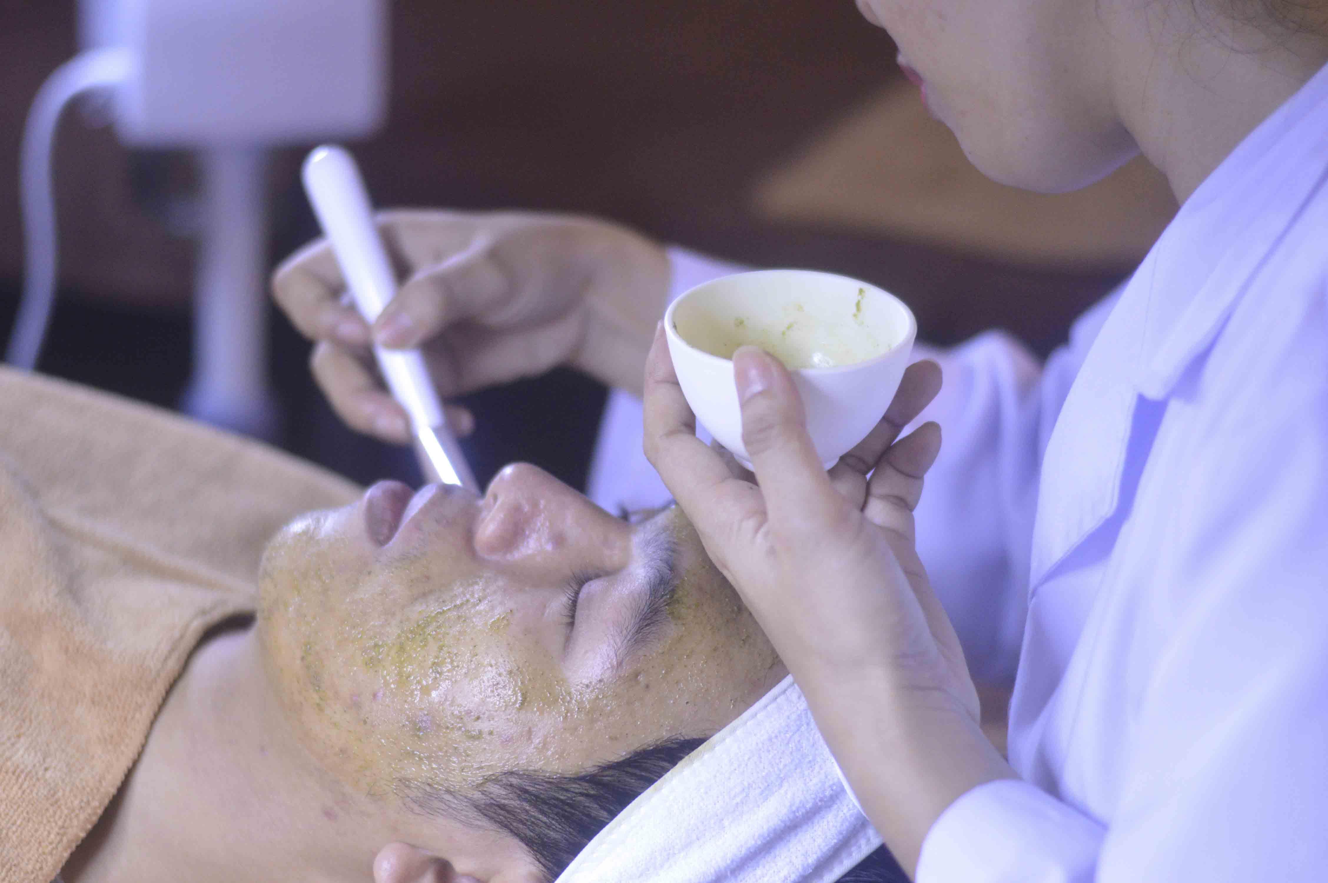 Nhật kí điều trị mụn và sẹo của Hùng