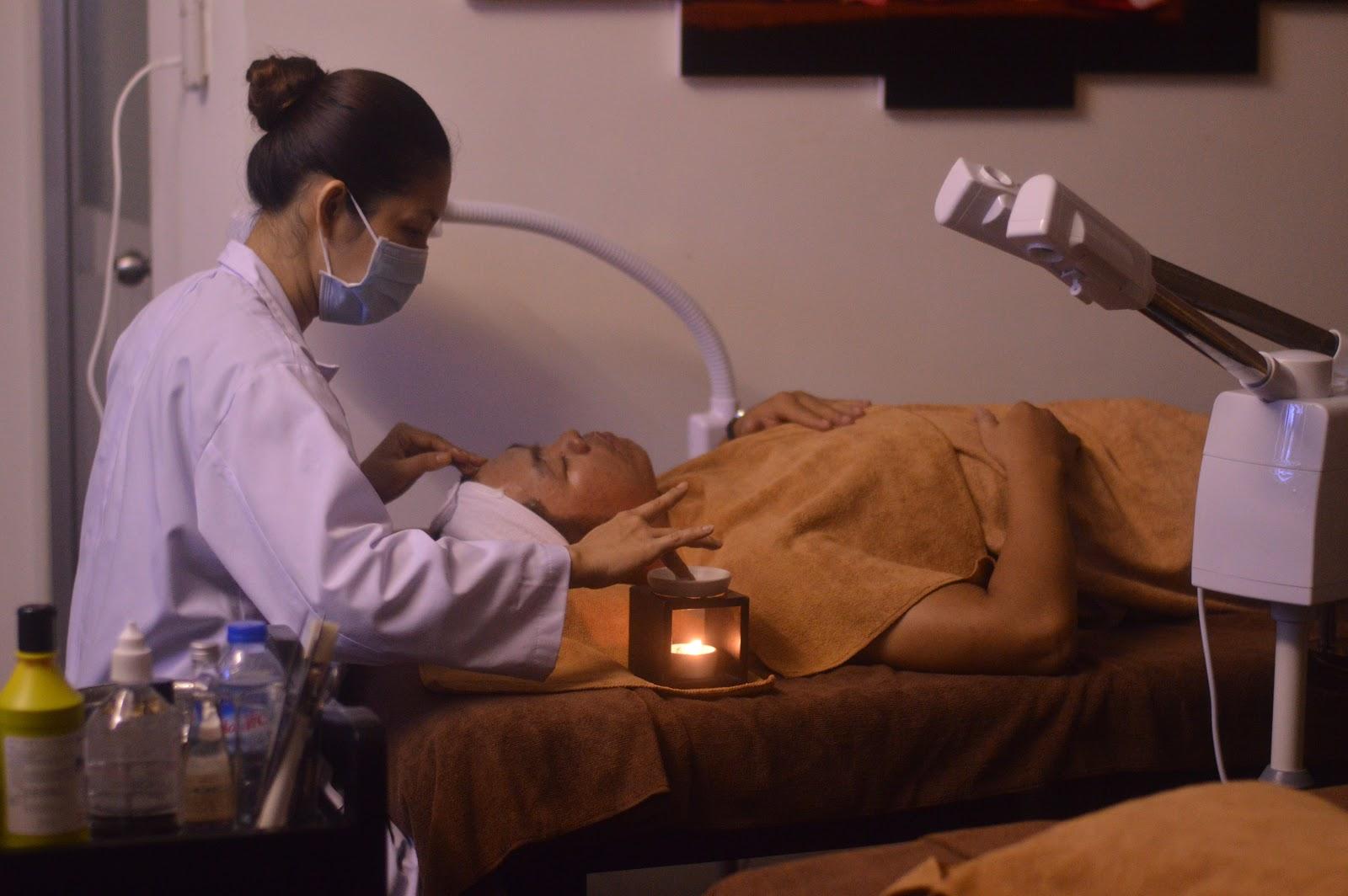 Trị mụn thiền tại BeU - Phương pháp đặc trị hiệu quả các loại mụn